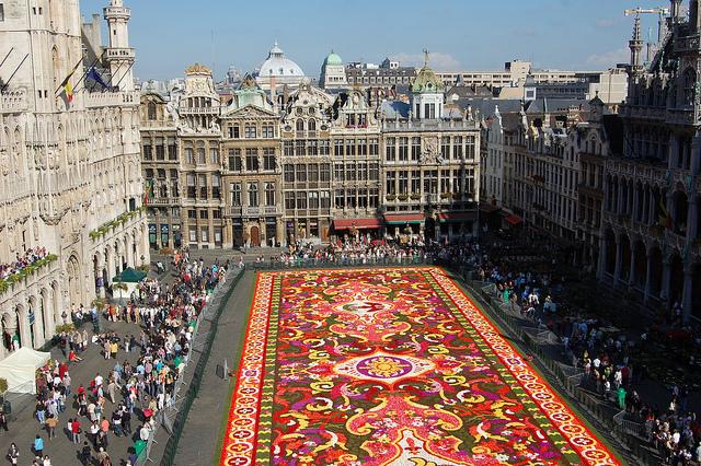 開催まであと1ヶ月、2012年の「ブリュッセル・フラワーカーペット」