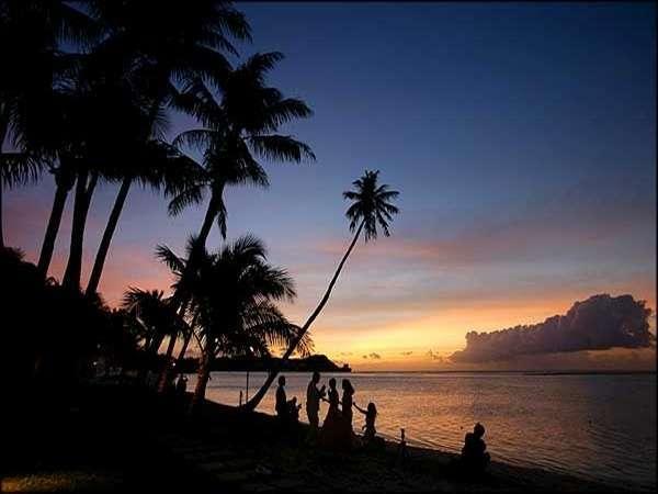 グアムの2012年「日の入りと日の出時刻」