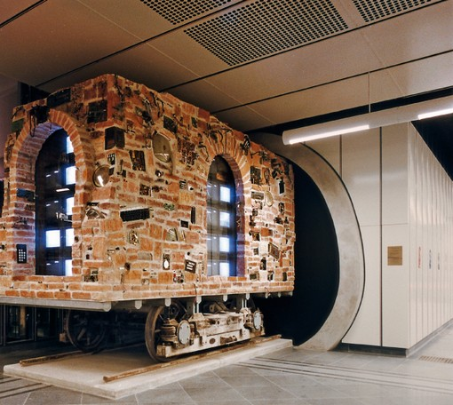 ウィーンの地下鉄で美術鑑賞