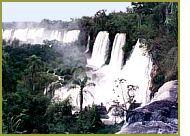 「イグアスの滝」水位上昇は解消