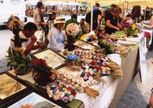クラクフで「第36回 民芸品マーケット」開催