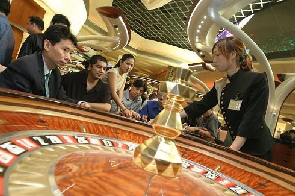 マカオのカジノ、今秋から21歳未満の入場を規制へ