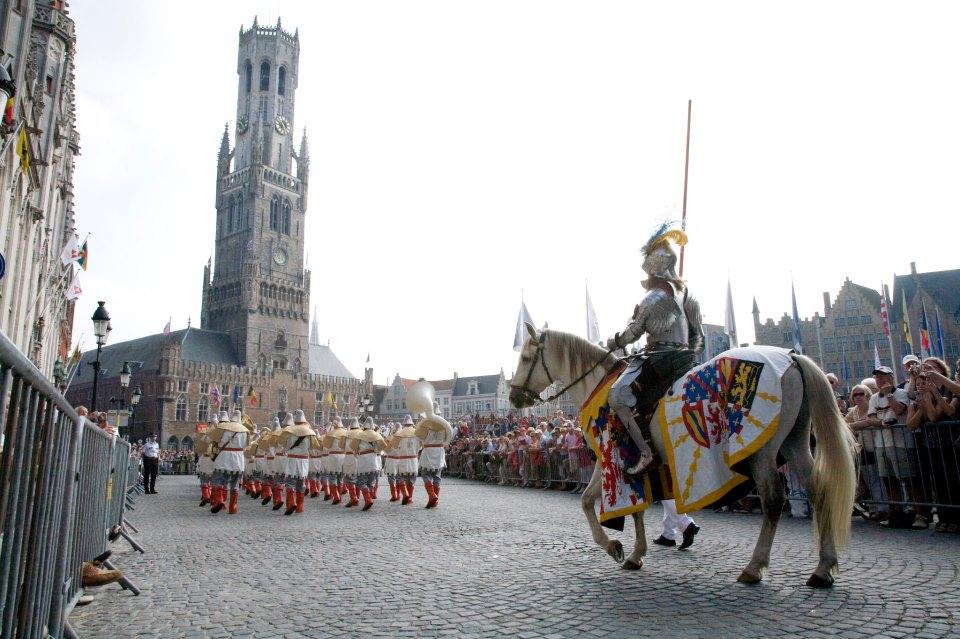 ブルージュで5年1度のお祭り「ゴールデンツリー」が開催