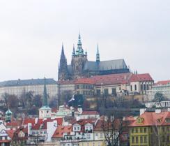 プラハ城内「聖ヴィート大聖堂」オープン時間の変更日について