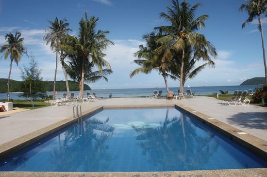 リゾートの浄水プール