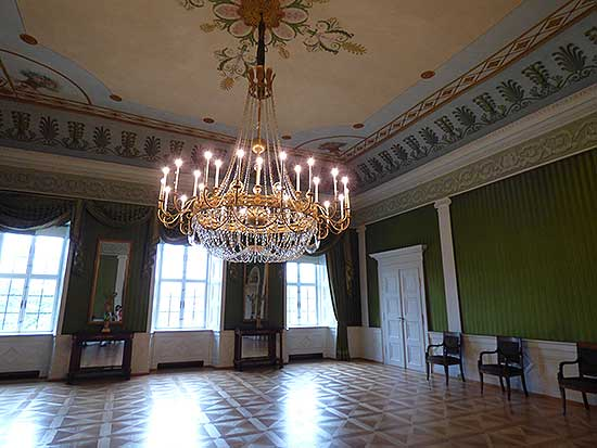 neoclassical-ceiling