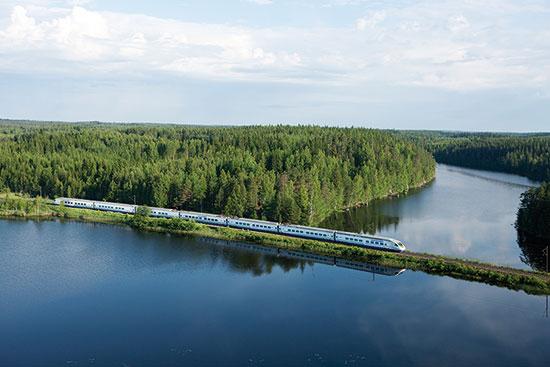 夏の北欧人気2都市+隣国を鉄道と船で巡る旅