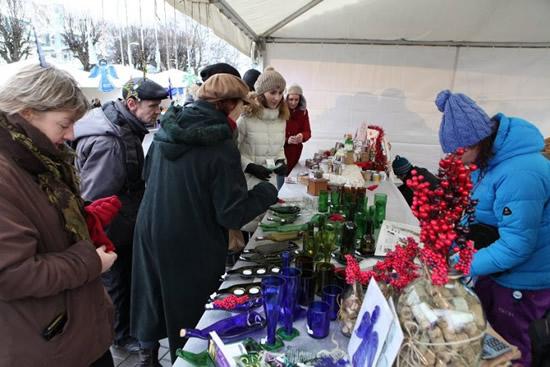 12月5日、ユールマラでウィンター・バザール開催