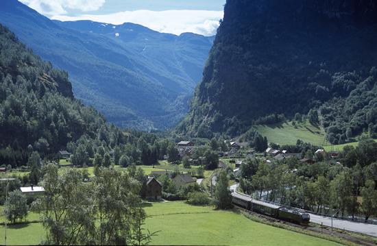 ノルウェーのフロム鉄道の座席予約必須に