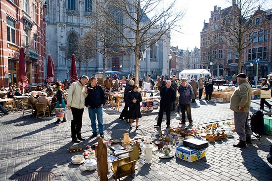 フランダース地方でマーケット巡りを楽しむ