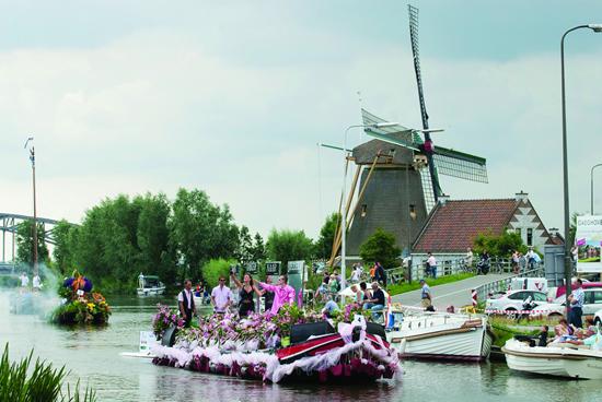 今からチェック! オランダの2016年春~秋「花のパレード」