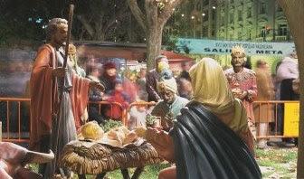 スペインでクリスマス伝統の「ベレン人形」を見る
