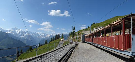 シーニゲプラッテ鉄道、歴史的な蒸気機関車が2017年も特別運行