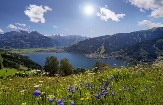 美しい湖畔の街、ツェル・アム・ゼー