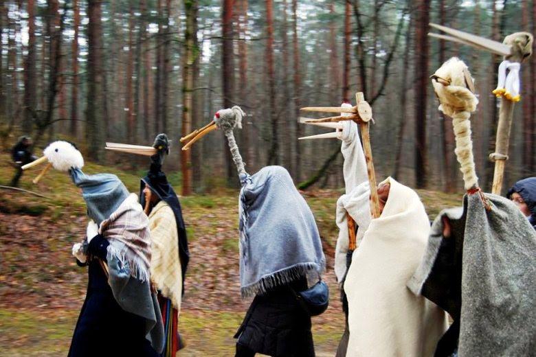 ラトビアに冬の終わりを告げる「メテニ祭」