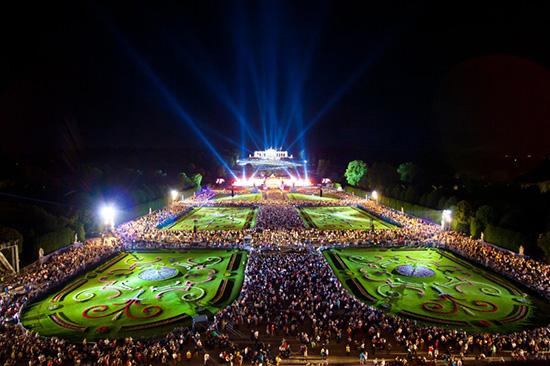 ウィーン・フィルが無料で堪能できる「サマーナイト・コンサート」