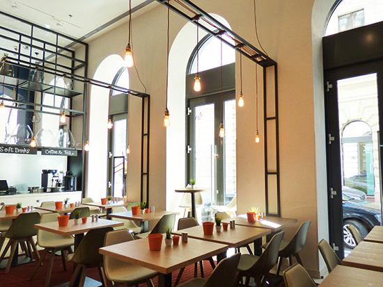 Hotel-朝食レストラン