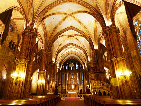 壮麗なネオゴシック様式のマーチャーシュ教会