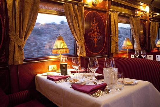 観光列車で旅するスペイン