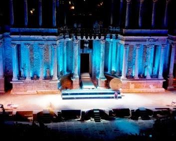 壮大な歴史を持つ古代劇場で楽しむ「メリダ古典演劇祭」