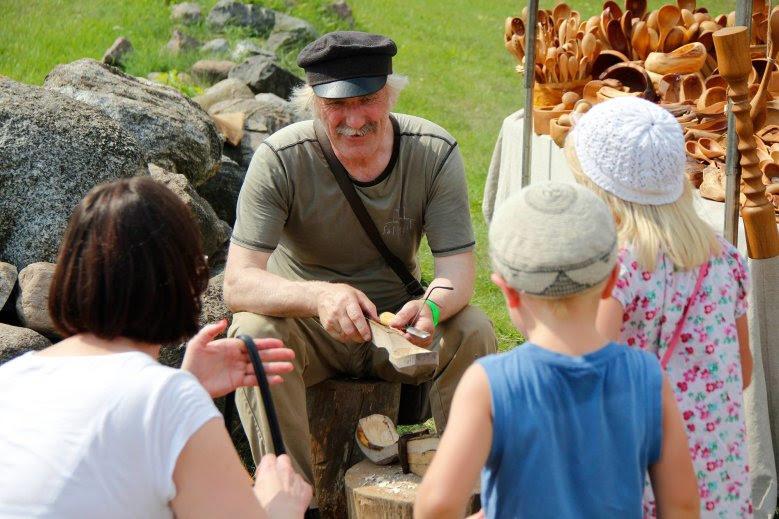 ラトビア民俗野外博物館の「ハンドクラフトとパンの日」