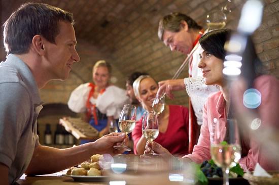 ビールだけじゃない!チェコで体験する秋の「ぶどう収穫祭」