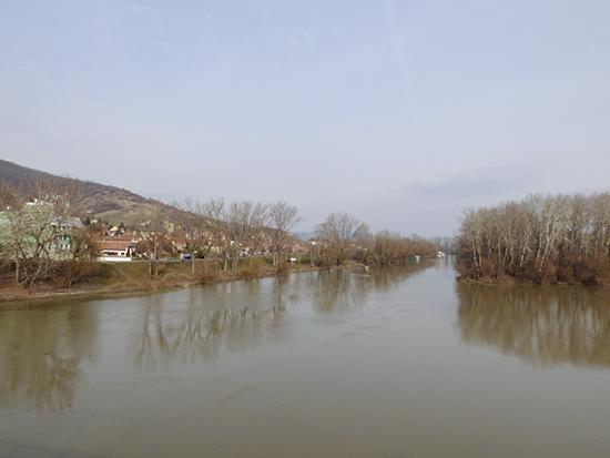 ボルロフ川