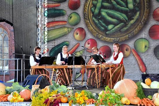 ラトビアの収穫祭フェア「聖ミカエル・デー」