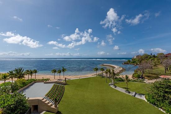 バリのムリアリゾートがドラマチックな海際のイベント会場を開設
