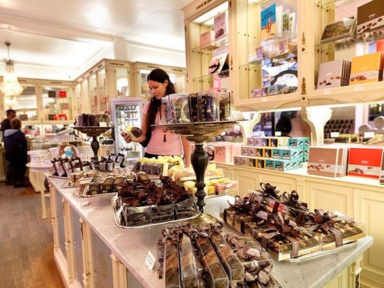 アウトレットショップで、老舗店のベルギーチョコをよりお得に味わう!