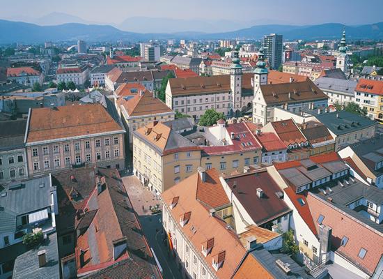 ÖBBが新バス路線運行、オーストリア~イタリア間