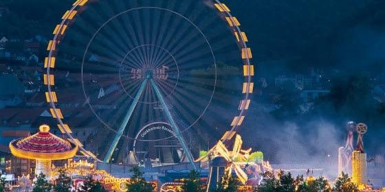 ドイツのバート・デュルクハイムで「世界最大のワイン祭」を楽しむ