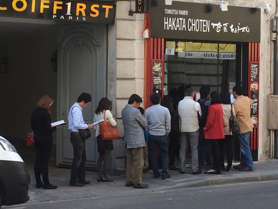パリの行列店「博多ちょうてん」の来店客が累計15万人を突破!