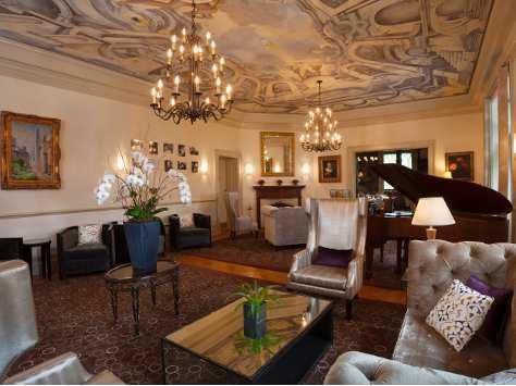 Castle Hotel 05