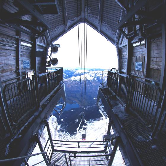 ドイツ最高峰に3つの世界記録が体験できるロープウェイ登場!