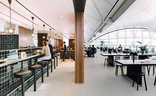 キャセイ、3月22日に香港国際空港の新ラウンジ「ザ・デッキ」をオープン