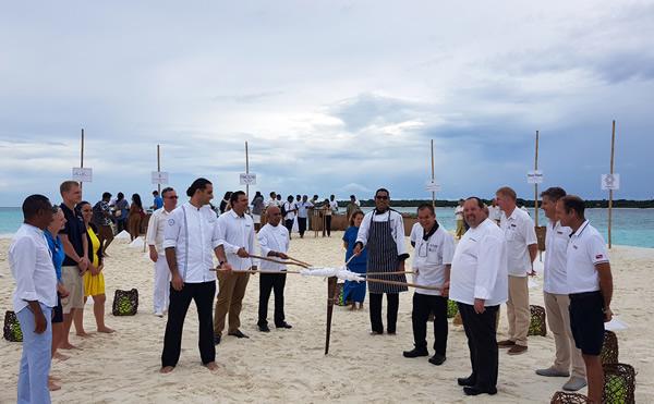 モルディブの高級リゾートが夢のコラボ バァ環礁で様々な料理が体験できるサマーフェスティバルを開催