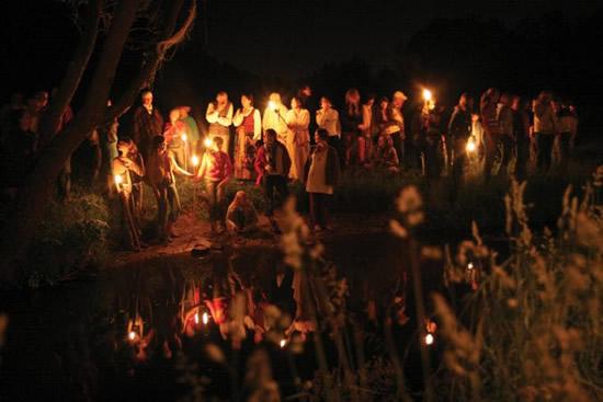 リトアニアで神秘の夏至祭「ヨニネス」を体験する
