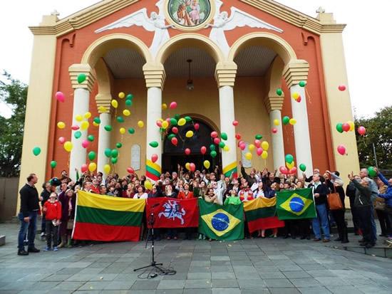 リトアニア建国記念日、世界中のリトアニア人による国家斉唱プロジェクト