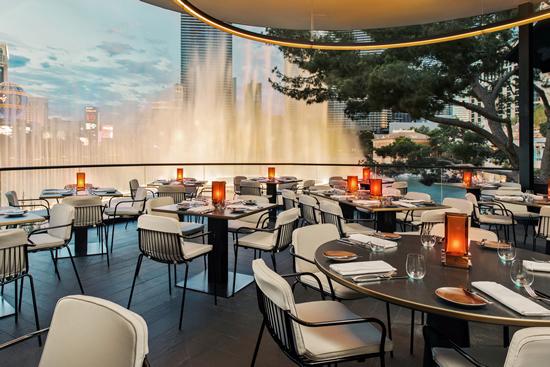 ベラージオの噴水を見渡すウルフ・ギャングのレストラン「スパーゴ」がオープン!