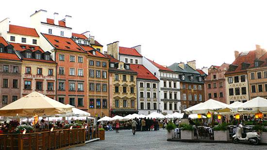 世界遺産のワルシャワ歴史地区広場で野外ジャズフェスティバルが開催