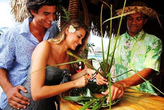 ヒルトン モーレア ラグーン リゾート&スパでポリネシア文化のアクティビティを開催