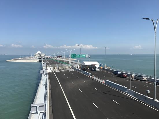 世界最長の海上橋「港珠澳大橋」が香港とグレーターベイエリアに開通