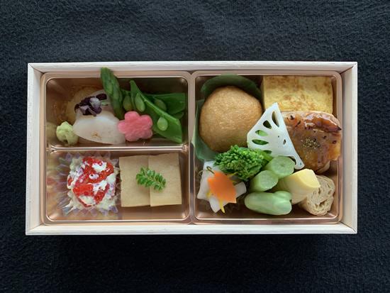 フィンエアーが「七草」店主・前沢リカ氏監修の機内食 2019春メニューを発表
