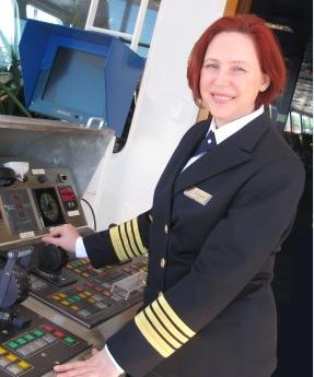 リージェント セブンシーズ クルーズ、国際女性デーに初の女性キャプテンを任命