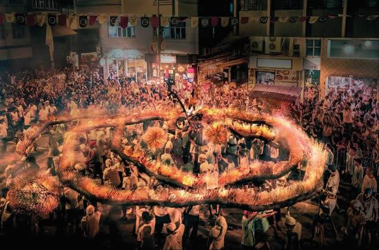 今年のシルバーウィークは幻想的な「ファイヤー・ドラゴン・ダンス」が繰り広げられる香港へ!