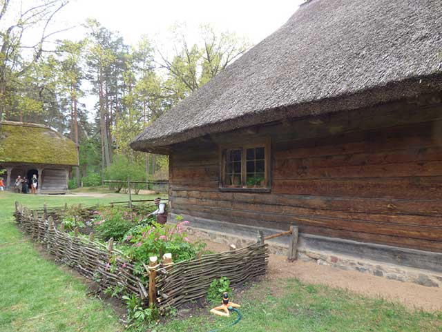 〔現地レポート〕ヨーロッパ最大級の野外博物館でラトビアの民族文化に出会う