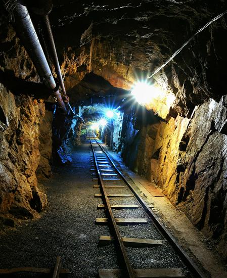 1908_Bergbaulandschaft