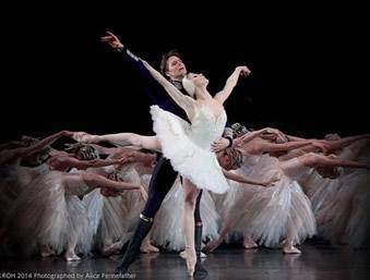 英国ロイヤル・バレエの《白鳥の湖》がオンラインで配信