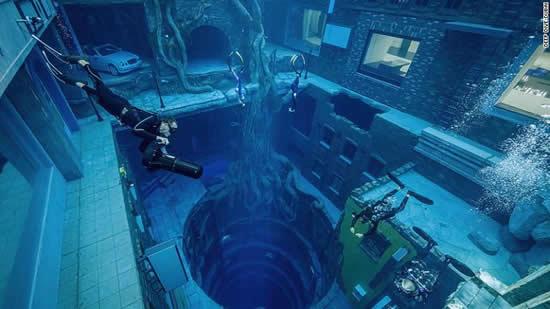 まるで異世界!ドバイに「沈没都市」をテーマにしたダイビングプール誕生